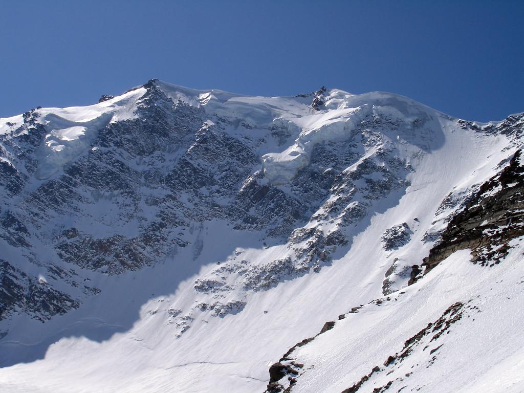 La parete NE del Fletschhorn 3993 m.