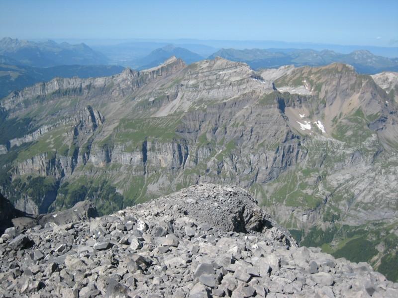 Tenneverge - vue du sommet vers samoens
