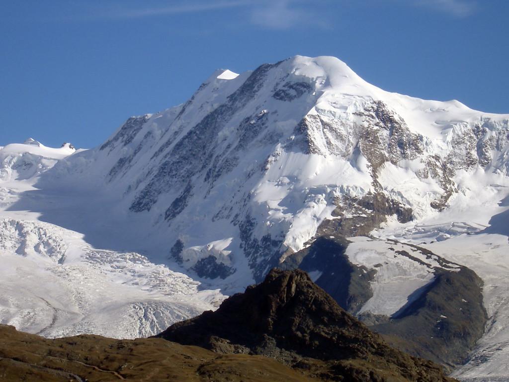 Il versante NE dei Liskamm 4527 m cima E e 4479 m cima W.