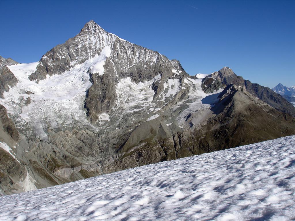Il Weisshorn 4506 m versante Sud, durante la salita al Mettelhorn 3406 m.