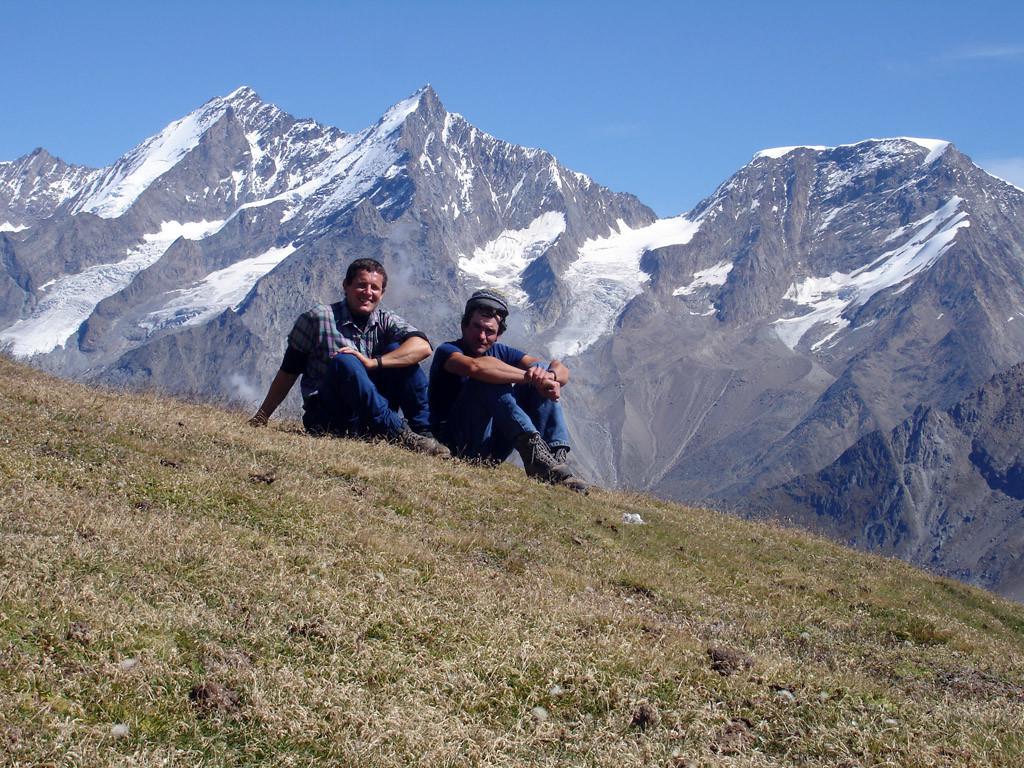Sulla cima del Wisshorn 2936 m, le cime del Dom 4545 m,Täschhorn 4490 m e Alphubel 4206 m.