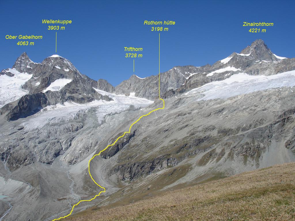 L'Ober Gabelhorn  e lo Zinalrothorn da Est con la conca della Rothorn hütte vista dal Wisshorn 2936 m.