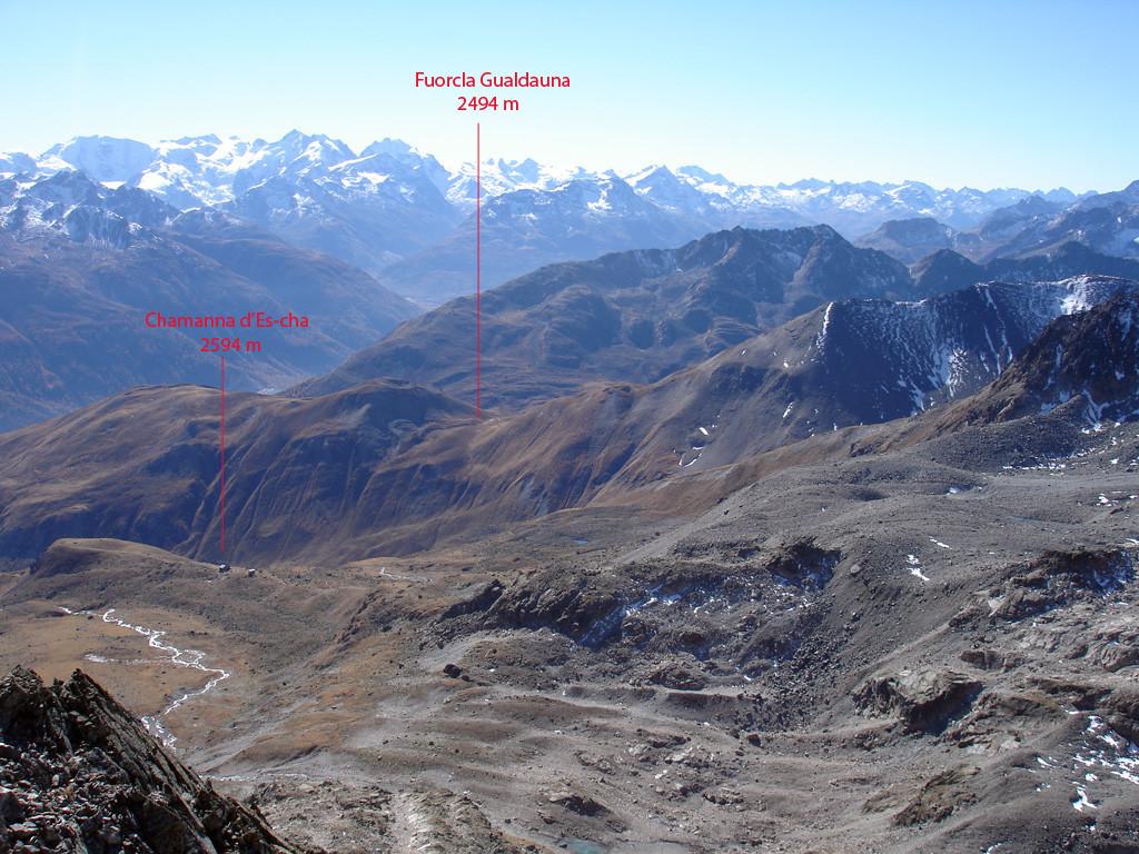 Panorama dalla cima del Piz Val Müra 3162 m verso il gruppo del Bernina.