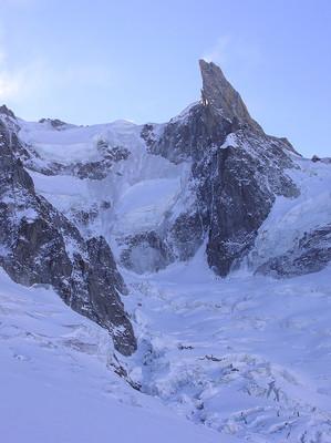 Nordwand der Dent du géant. Links davon der Rochefort Grat