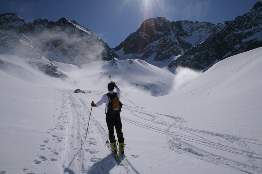 Baghi devant le Pic de la Grande Valloire et le Rocher d'Arguille
