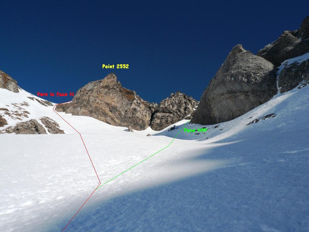 La bosse 2552 sur l'arête N du Culan et la séparation des itinéraires face N et face NW