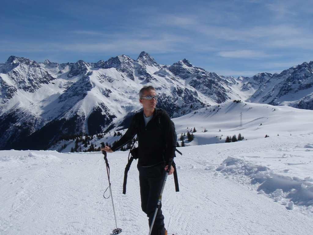 Joël sur la piste de fond au col du Merdaret