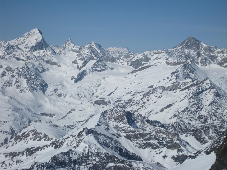 Strahlhorn, vue depuis le sommet