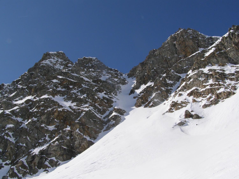 """Il canale """"sinuoso""""...tanta neve e bella dura..."""