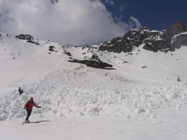 Avalanche : plaque de fond sous le pas de la Coche probablement tombée cette semaine.