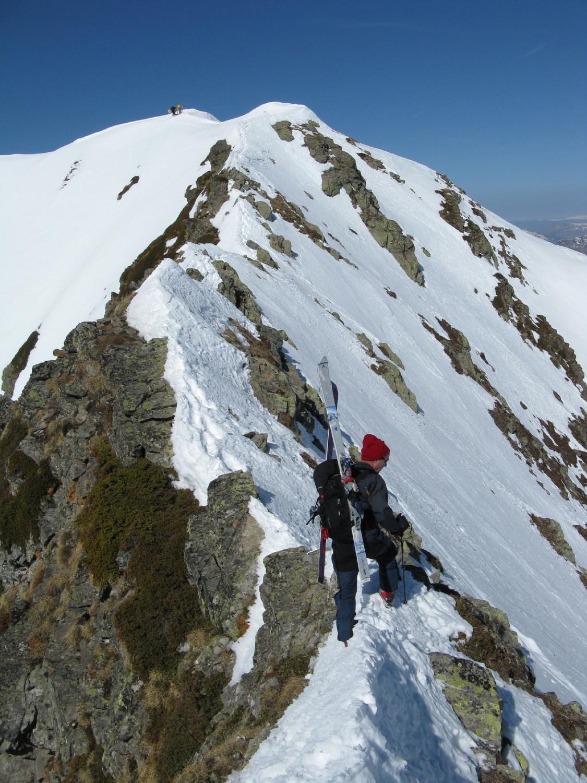 Sur l'arete vers le sommet.