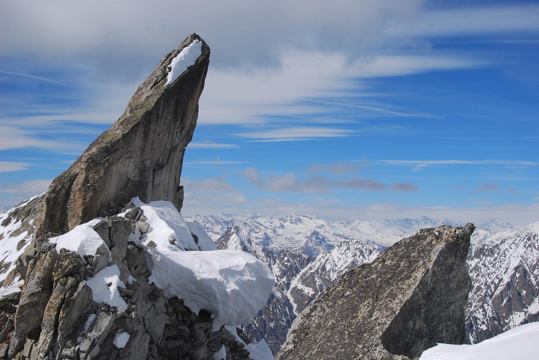 Roccia presso il deposito sci 2890 m ca. al Pizzo Ligoncio