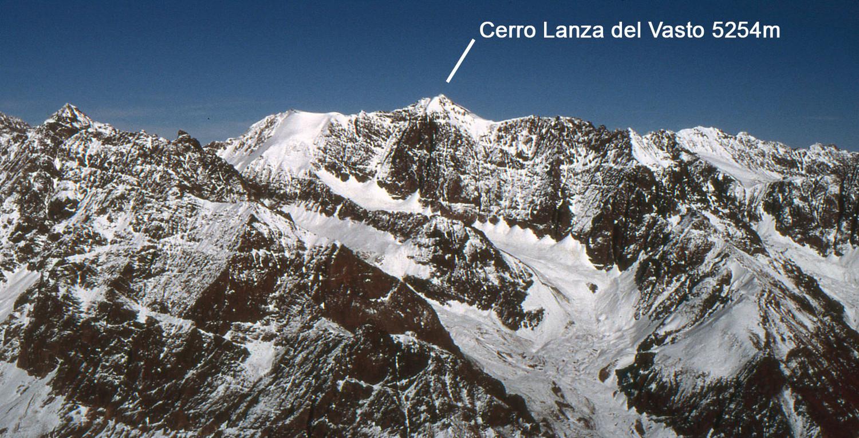 Cerro Lanza del Vasto 5254m visto desde el Monte Peregrino
