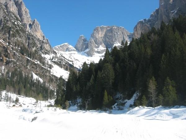 La Val Canali salendo alla Cima Manstorna.