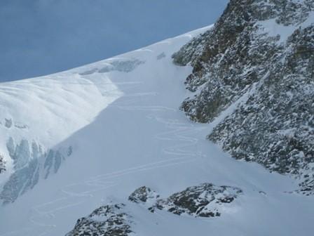 la descente sur feu le glacier et nos traces