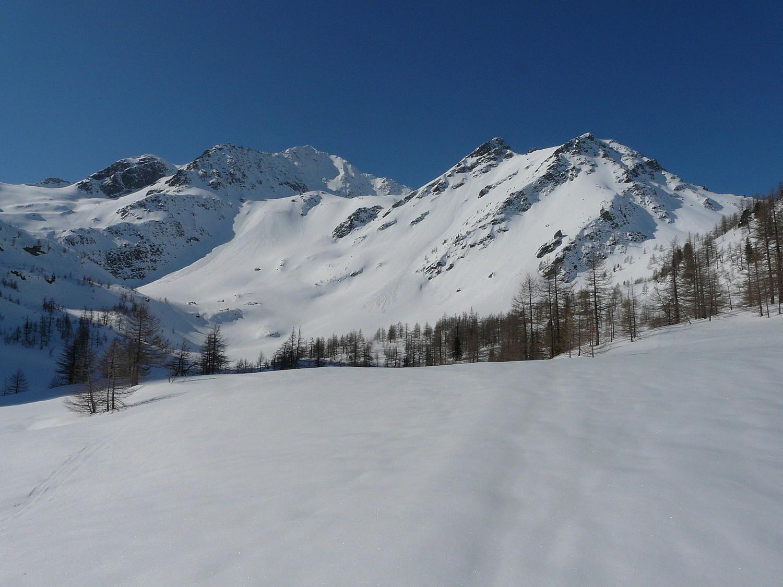 Plan Arpy avec le mont Colmet au fond à droite (val d'Aoste)