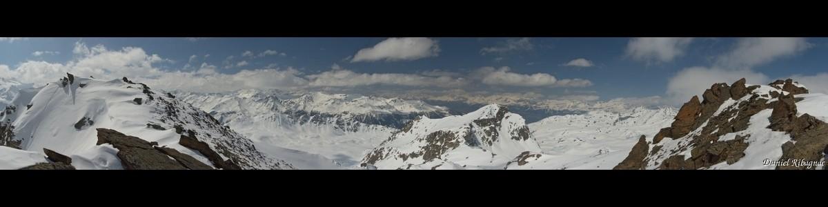 Panorama depuis Tourtemagne (Touno au centre image)