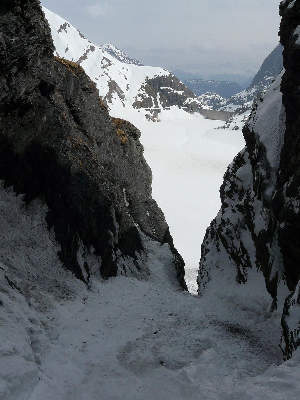 Conditions moyennes mais belle ambiance (couloir face E de la tête du Grenairon