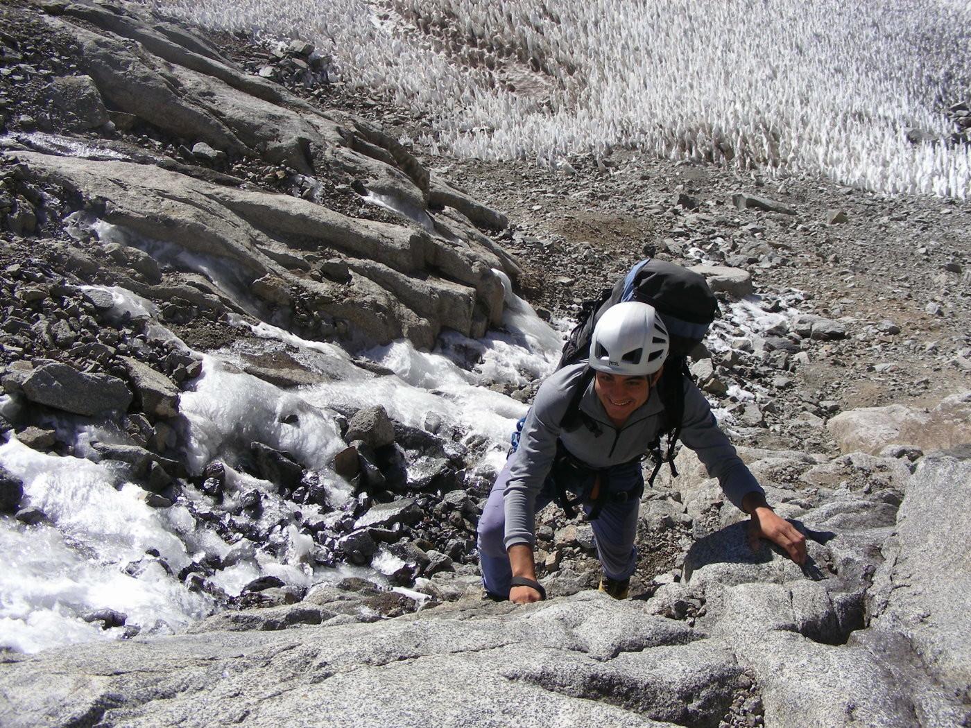 Subiendo por los escalones de granito