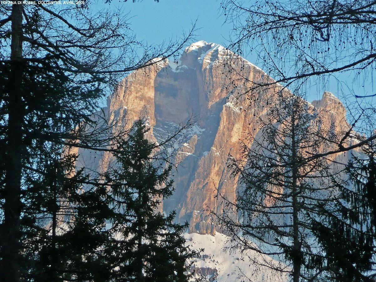 Face sud des Tofane depuis la montée au Formin (Cortina)