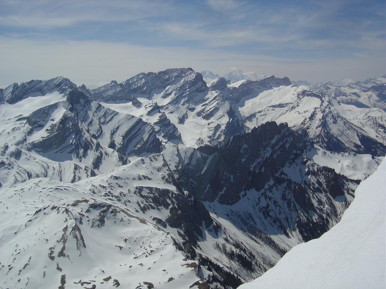 Du sommet du Culan, vue sur Anzeindaz et les Muverains