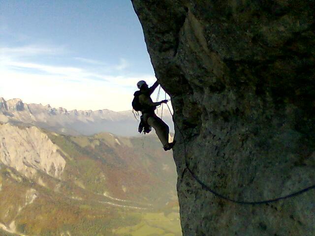 Dans la voie Coluche au Mont Aiguille