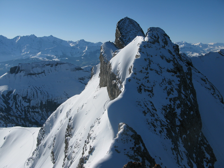 Roche Perfia depuis le sommet E du Paré de Joux