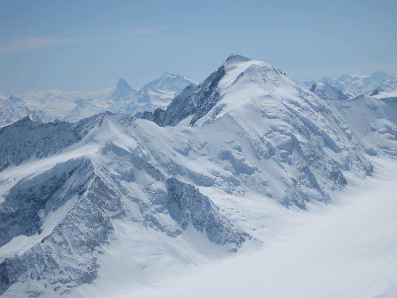 Vue sur l'Aletschhorn depuis le sommet...