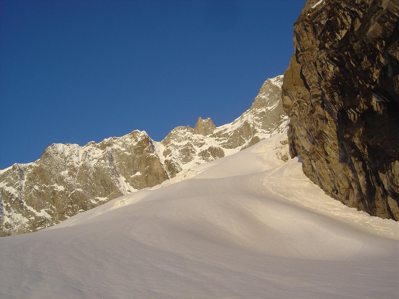 La rive gauche du glacier du Dolent, un peu au-dessus du bivouac du Dolent.