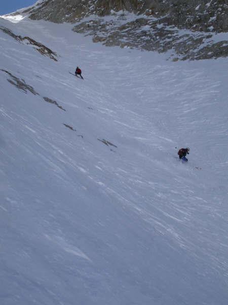 Prima parte della discesa: neve ottima lavorata dai passaggi precedenti