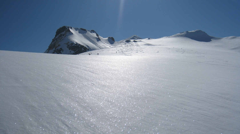 Sur le Glacier de Bassagne, la Pointe de la Galise en ligne de mire