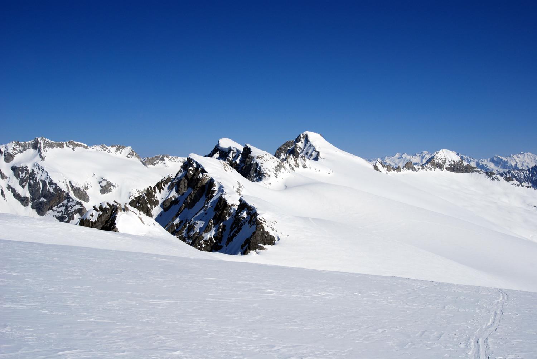 Durante la salita al M. Carè Alto vista sul Crozzon d Larès 3354 m.