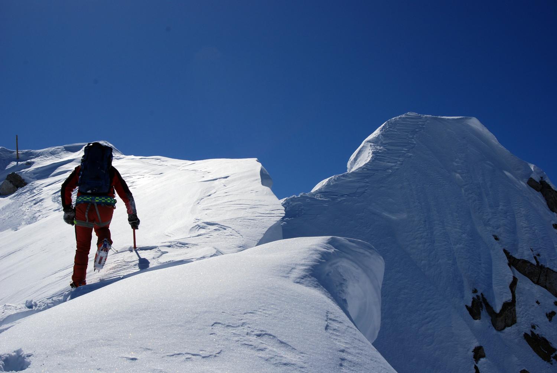 Lungo la cresta NW del M. Carè Alto 3462 m.