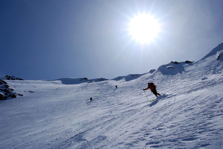 Discesa dal ripido versante WNW del Piz Fless 3020 m Val Torta.