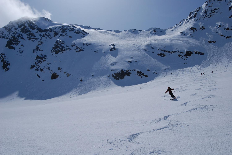 Il Piz Fless 3020 m  con il ripido tratto soprastante  il Vadret Valtorta.