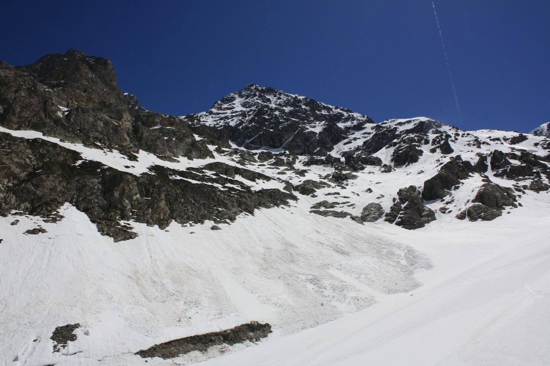 La peu engageante base du versant NW du Col de l'Encoula de Petit Pierre