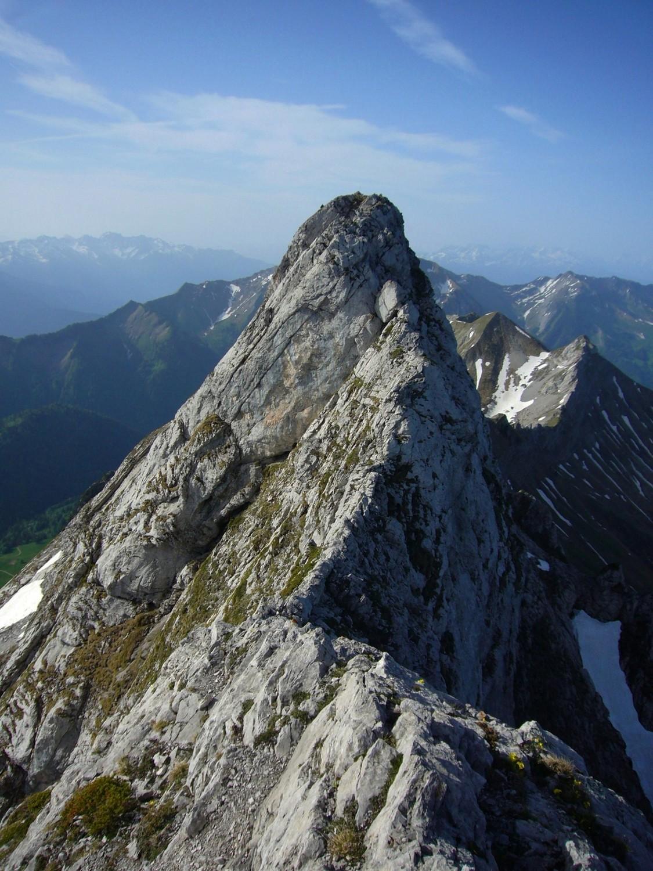 Le dernier morceau d'arête et le sommet de l'Arcalod