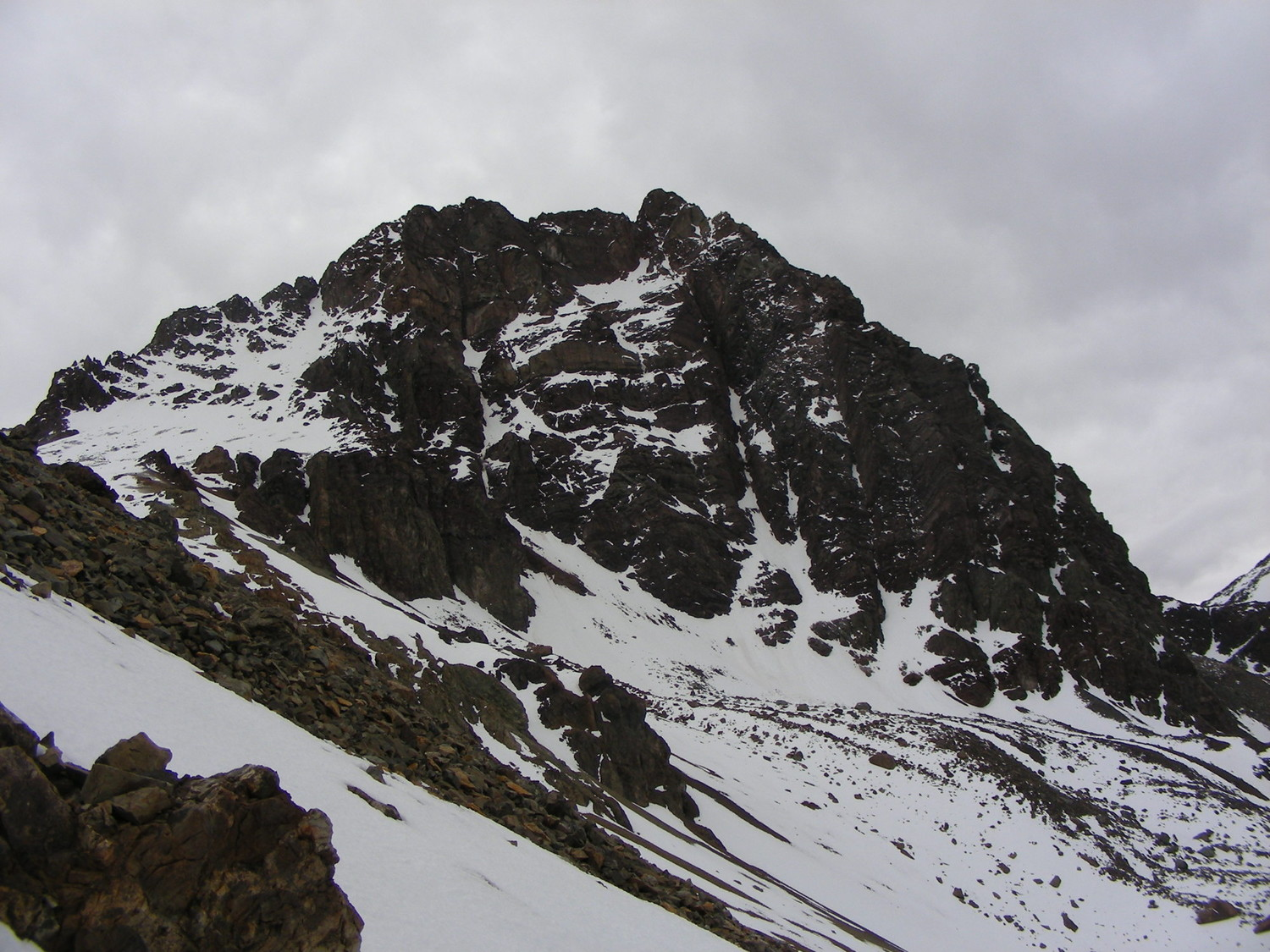 The S  face of the S summit of Tres Hermanos