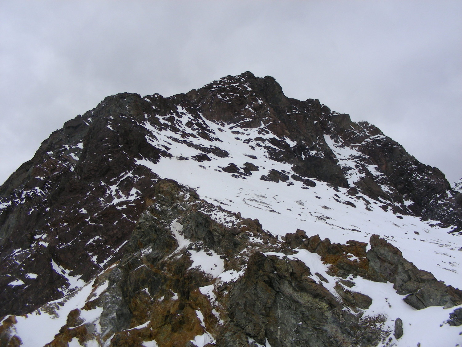 The S ridge of Tres Hermanos Sur, seen from the pass