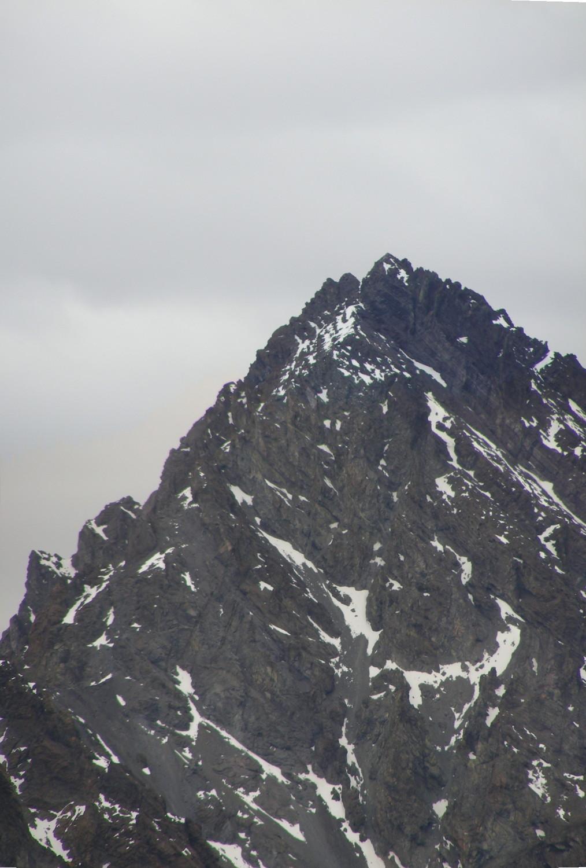 Zoom al filo N del Cerro Caracoles