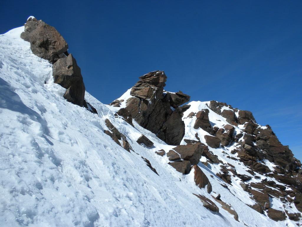 L'arête sommitale de la Pointe Dufour entre le haut du couloir et le sommet