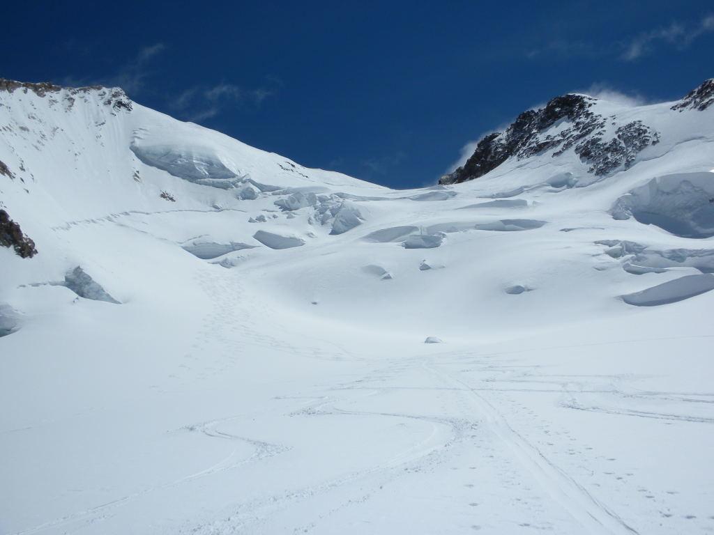 Le haut du Glacier du Mont Rose avec le Nordend et la Pointe Dufour