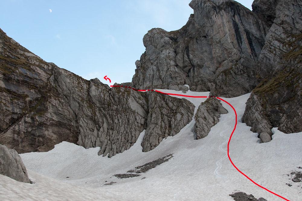L'accès par le creux du Pralet, vu du milieu (mai 2009)
