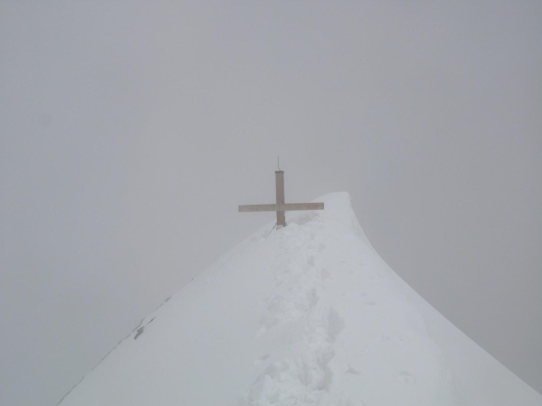 Il y a encore de la neige au sommet !