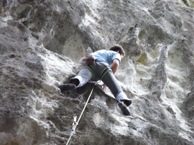Nico après le crux, yapluka arriver jusqu'à la chaine 10m plus haut