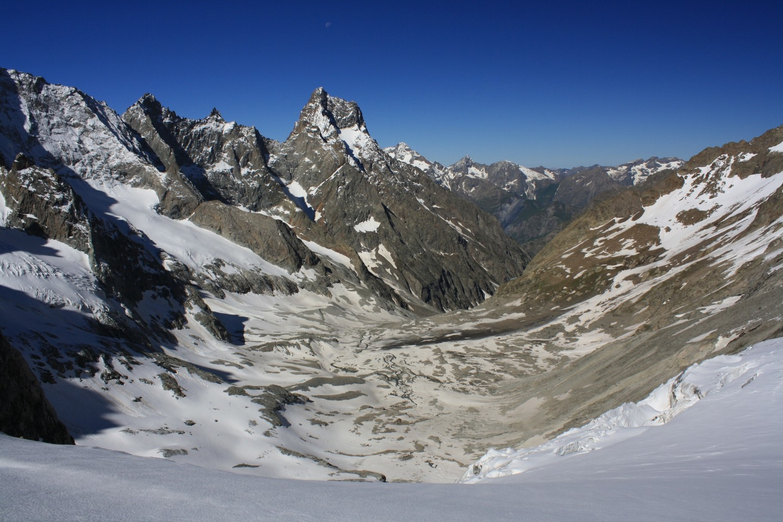Le Vallon de la Selle depuis le glacier homonyme