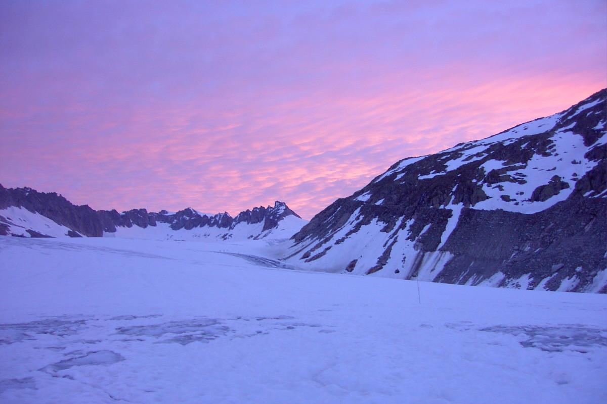 le glacier du Rhône à l'aube