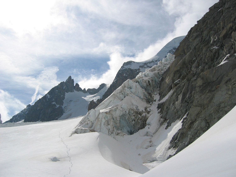 Chardonnet - retour sur le glacier, la bosse de la VN en arrière plan