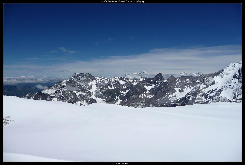 Au loin, le Mont Blanc