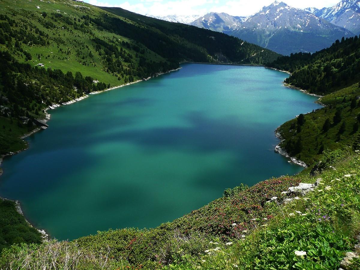 Lac de Plan d'Amont, montée au refuge de la Parrachée